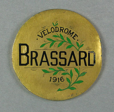 Medallion - Velodrome Brassard 1916 - won by Bob Spears