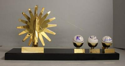 Trophy commemorating Shri Narendra Modi's visit to the Melbourne Cricket Ground, 2014