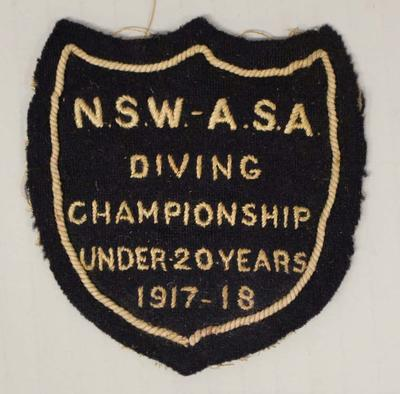 Pocket patch worn by Richmond 'Dick' Eve, under 20 years diving, New South Wales Amateur Swimming Association (NSWASA) Diving Championship, 1917-18
