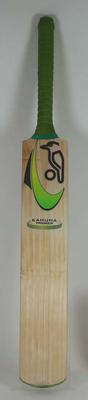 Kahuna Premier cricket bat made by Kookaburra Sport