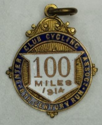 Inter Club Cycling Association century run medal, associated with Iddo Munro, 1914