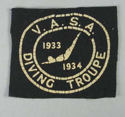 Cloth badge, Victorian Amateur Swimming Association Diving Troupe 1933-34