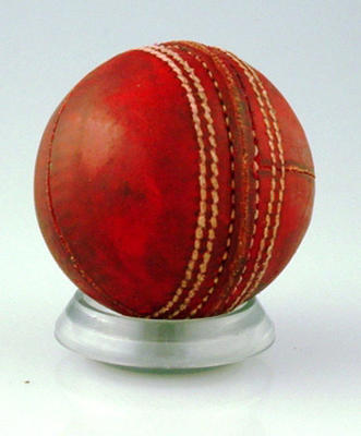 Red cricket ball use at MCG on 22 January 1991 MCC President's XI v MCC XXIX