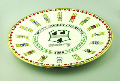 "Plate, ""Worcestershire County Cricket Club - County Cricket Champions 1988"""