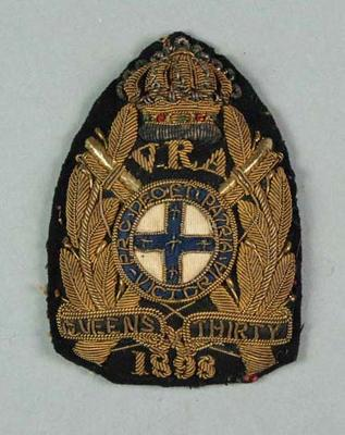 Bullion badge awarded to W Williams, VRA Queen's Thirty 1898