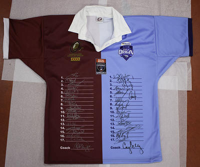 2009 Harvey Norman State of Origin Series rugby league jersey, featuring player signatures.
