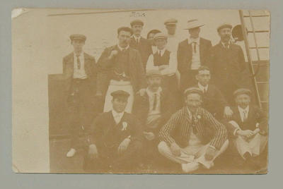 Postcard depicting members of Australian cricket team, 1905