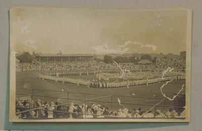 Postcard -  State School Children display at MCG 19/12/16; Documents and books; M7304.4